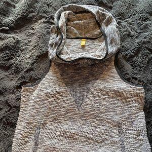 Lole sleeveless sweater